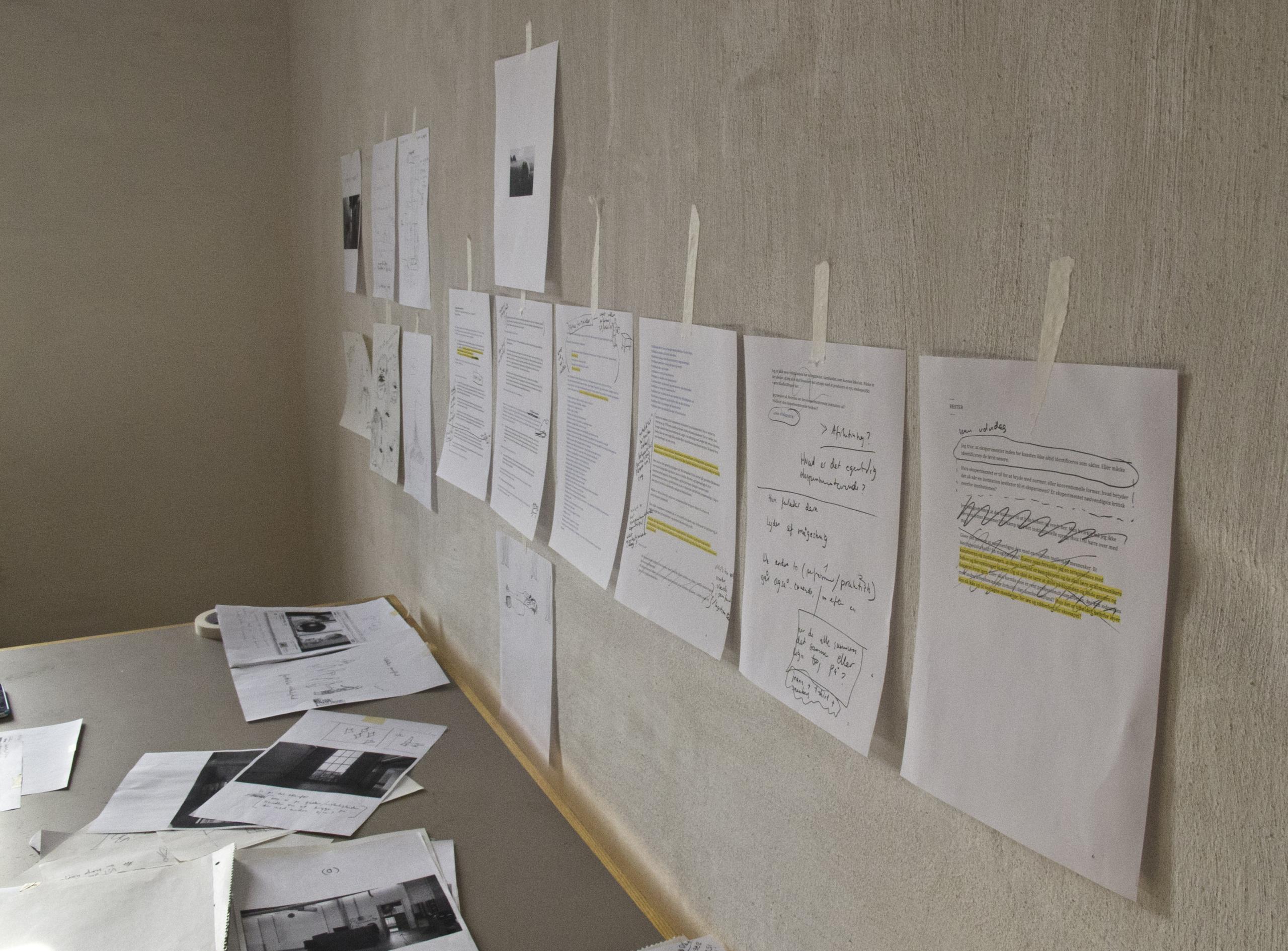 """Kunstnerisk bidrag til udstillingsprojektet """"Primer"""" i virksomheden Aquaporin"""