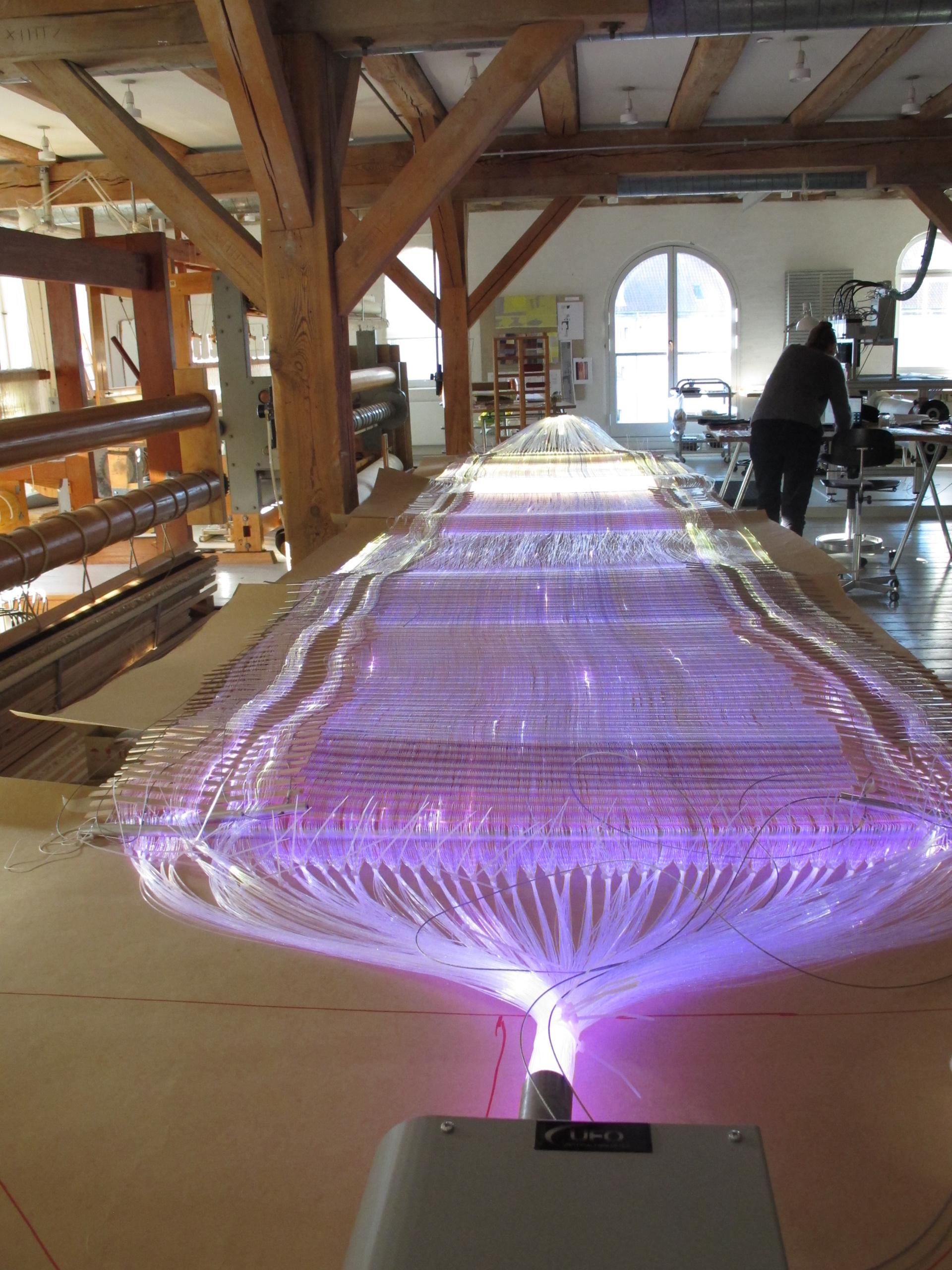 Hilde Hauan: Lyset lader os se universet