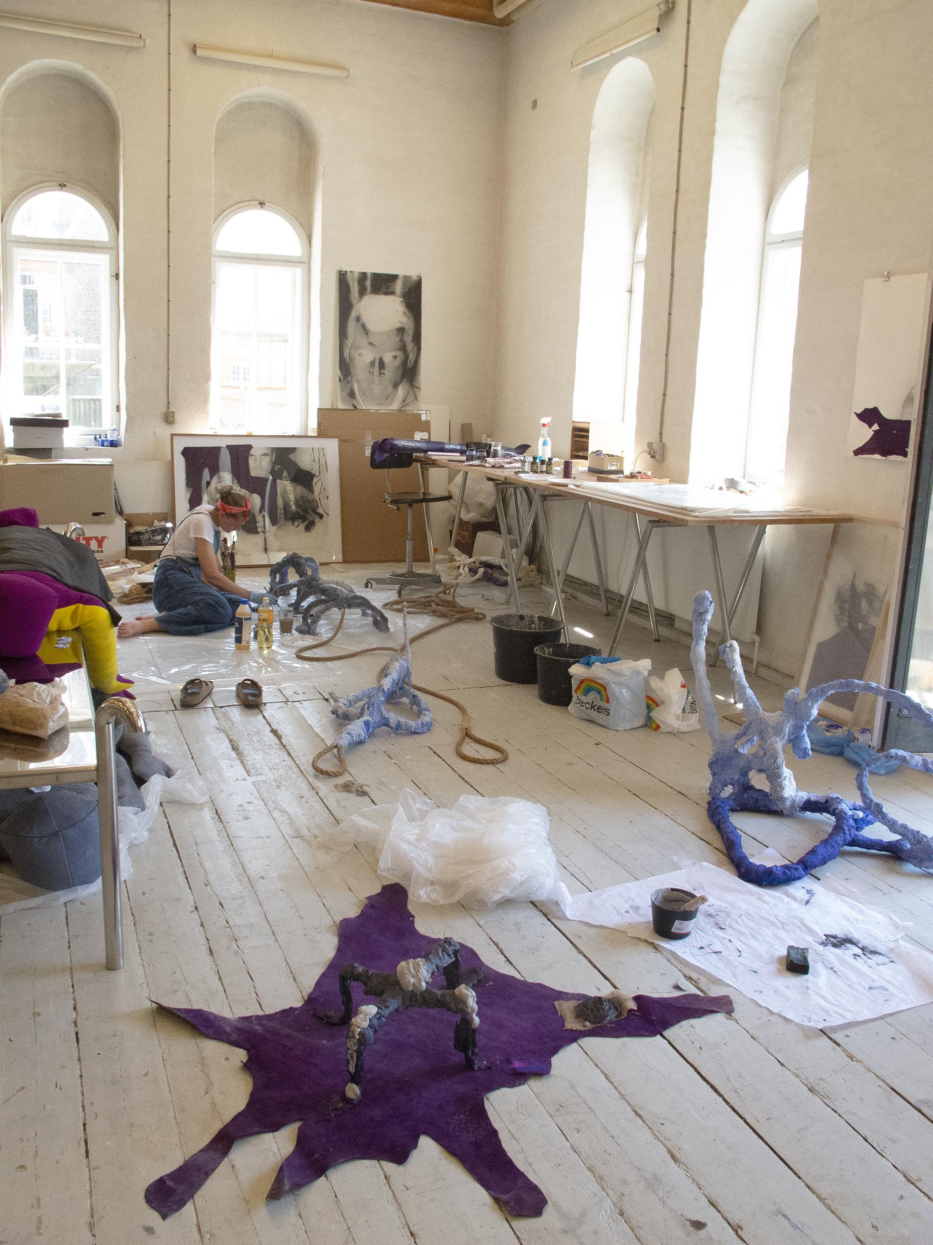 Christina Hamre i atelieret