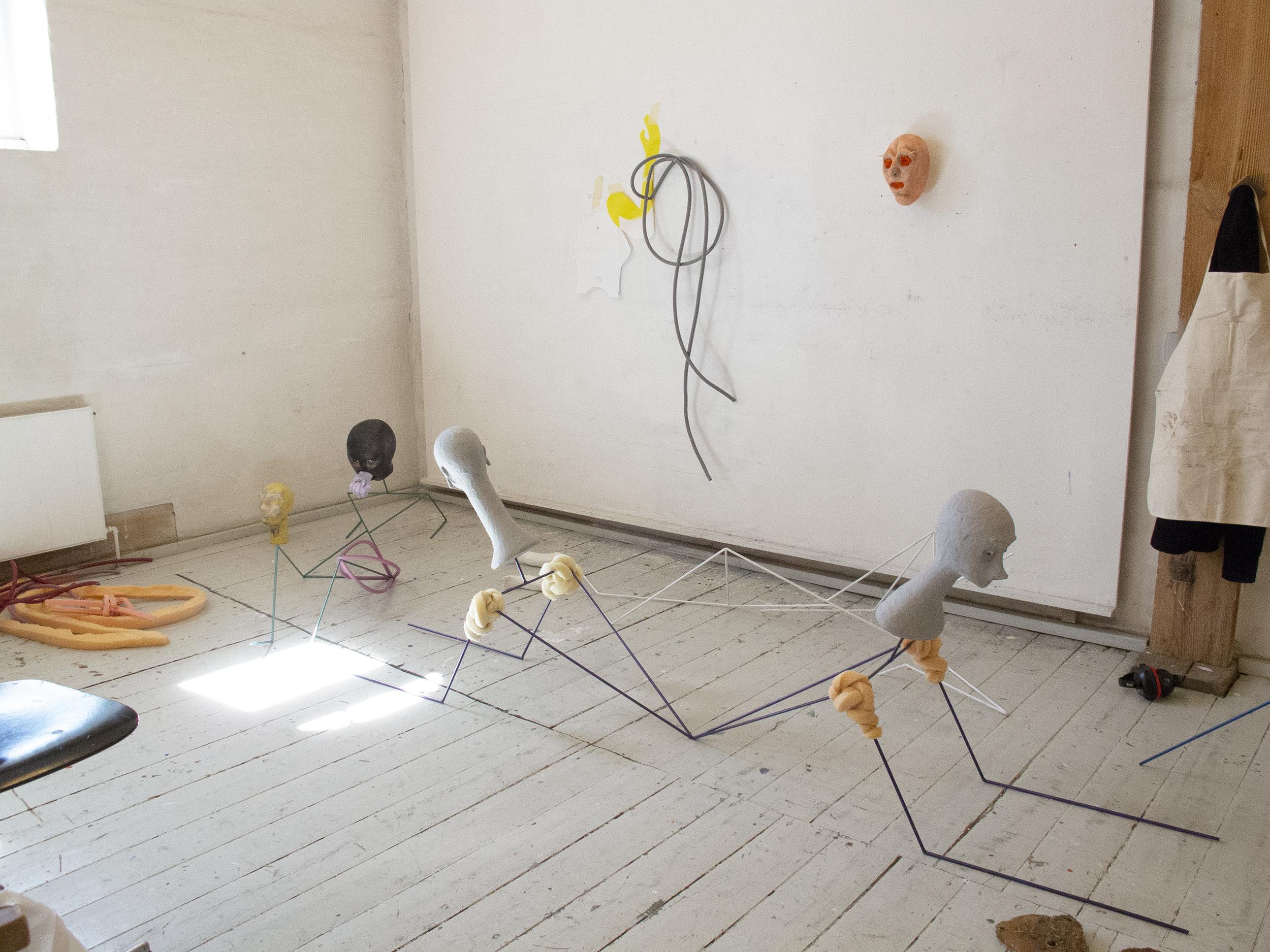 Nanna Starcks skulpturer i atelieret