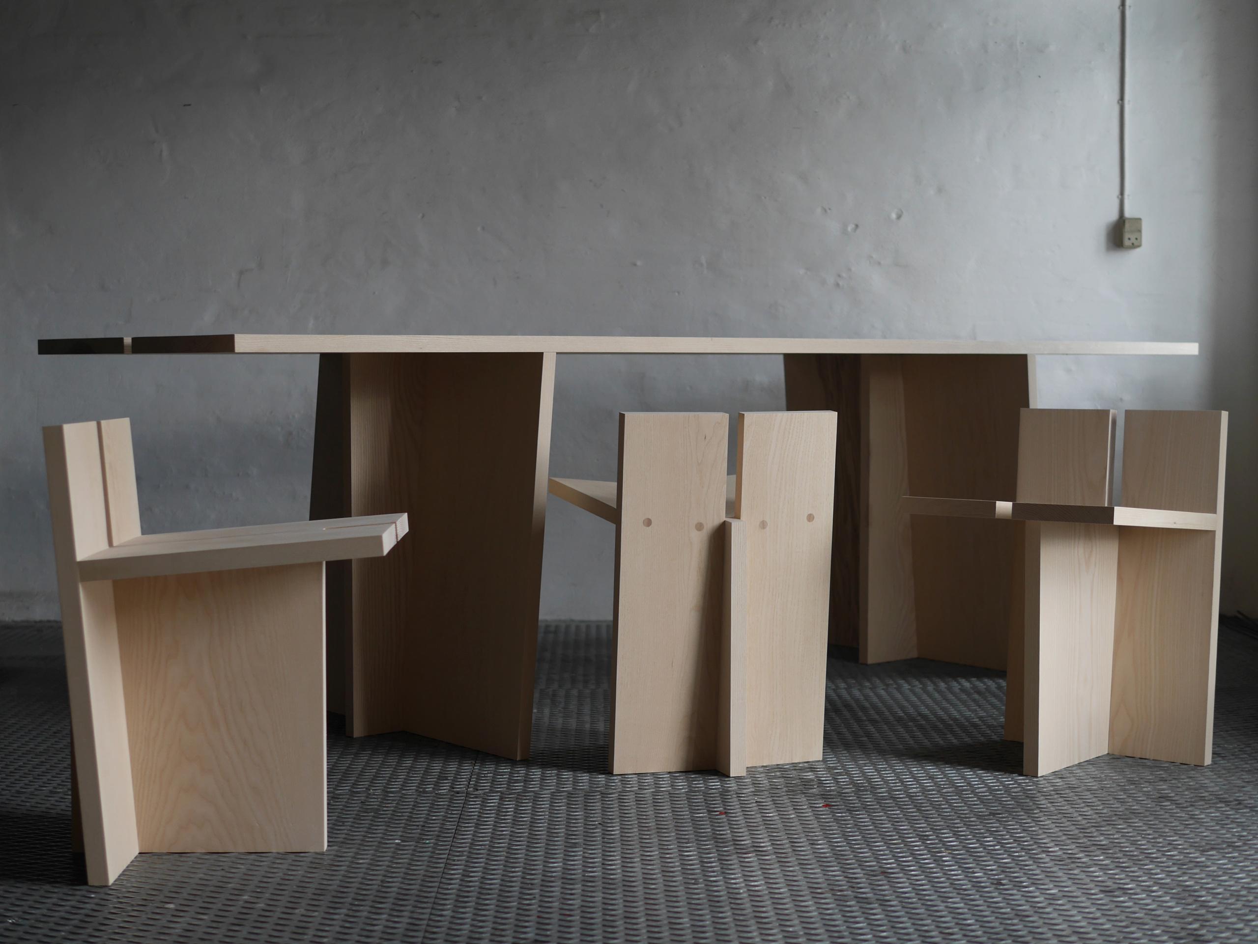 Emil Alexander Juel Jespersen: Simple Møbler